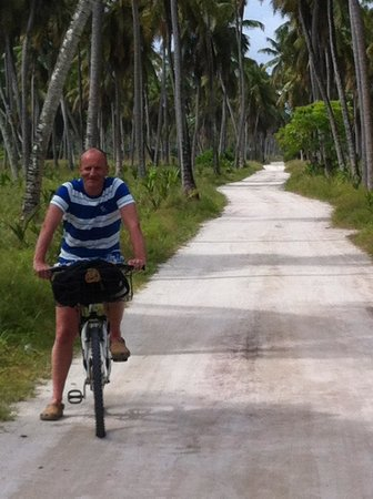 Desroches Island: The Cycle paths