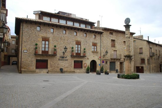 Hotel Villa de Cretas : fachada del hotel