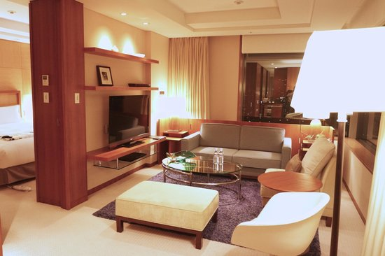 The Strings by InterContinental Tokyo : King Executive Suite Living Room