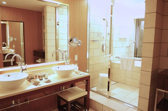 The Strings by InterContinental Tokyo : King Executive Suite Bathroom