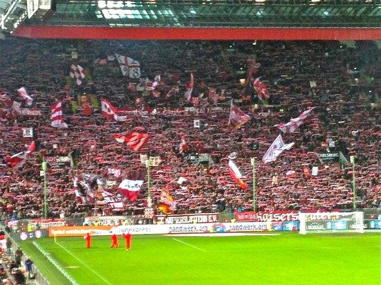 Fritz Walter Stadion: West Curve