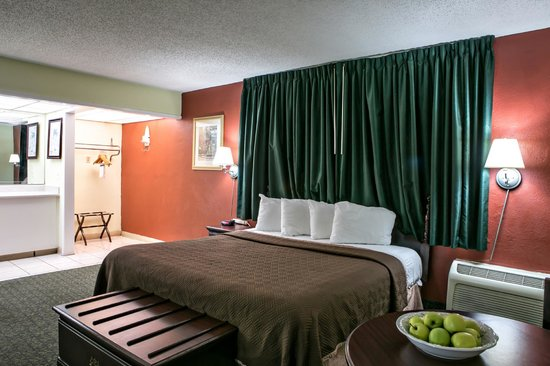 Travelodge Fort Lauderdale Beach: Non - Smoking 1 King Size Bed