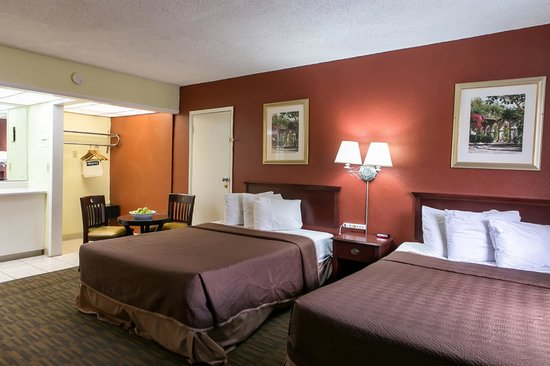 Travelodge Fort Lauderdale Beach: Non - Smoking 2 Queen Size Bed