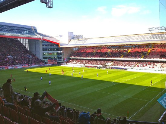 Fritz Walter Stadion: Day match