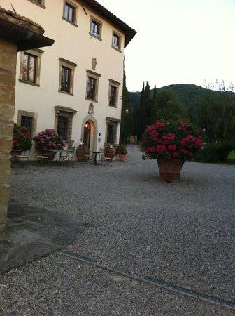 Villa Campestri Olive Oil Resort: Hotel Eingang Haupthaus