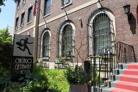 Chicago Getaway Hostel: Entrance