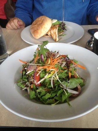 Tropicana Caffe: Thai beef salad & chicken burger