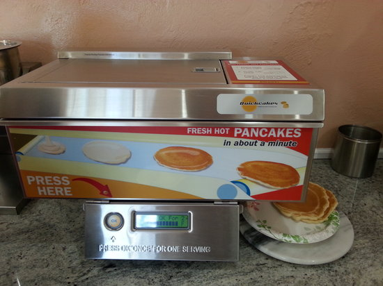 BEST WESTERN Park Crest Inn: Pan Cake Machine