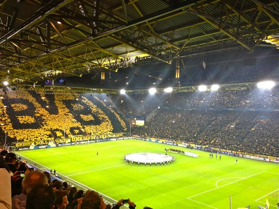 fans making an incredible picture signal iduna park. Black Bedroom Furniture Sets. Home Design Ideas