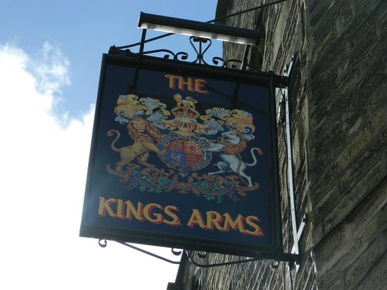 The Kings Arms: sign