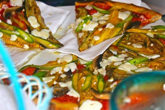 Casa Nostra: Veggie pizza