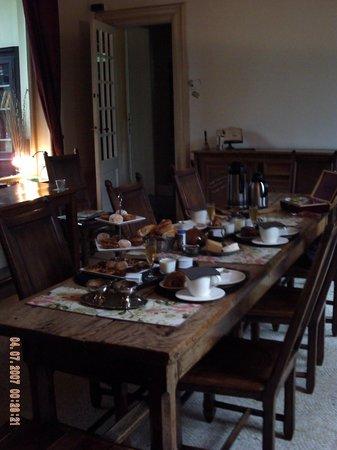 Le Château des Ormes : Breakfast table 1