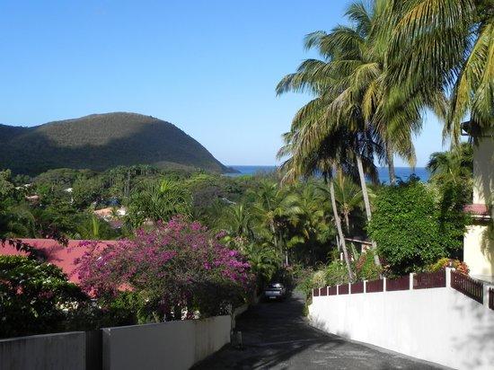 Gites Mangoplaya: la descente vers la plage