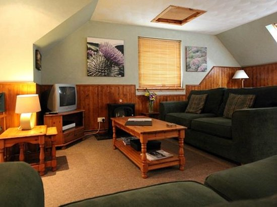 Corrieview Lodges: The Lounge in Lodge 1