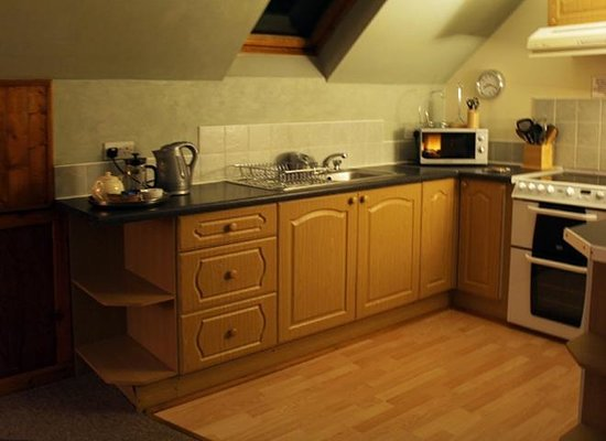 Corrieview Lodges: The Kitchen area in Lodge 1