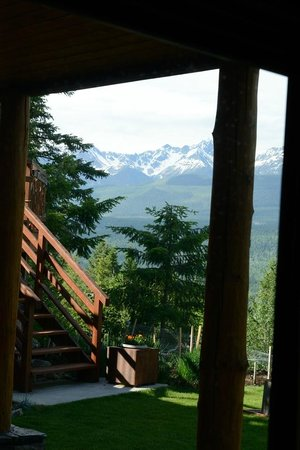 Le Beausoleil Bed and Breakfast : Views from the patio