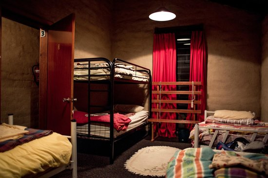 Bega Valley Backpackers Hostel: Bedroom - very cosy and well decorated