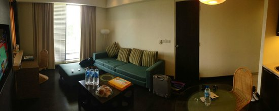 Novotel Manado Golf Resort & Convention Centre: Living Room Executive Suite