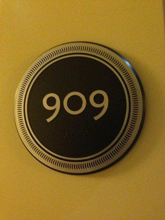 Wyndham Grand Chicago Riverfront: Room 909
