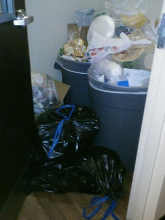 Extended Stay America - Houston - Westchase - Richmond: Trash in Hallway At xtended Stay America