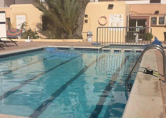 Sandic Apartments : Pool area