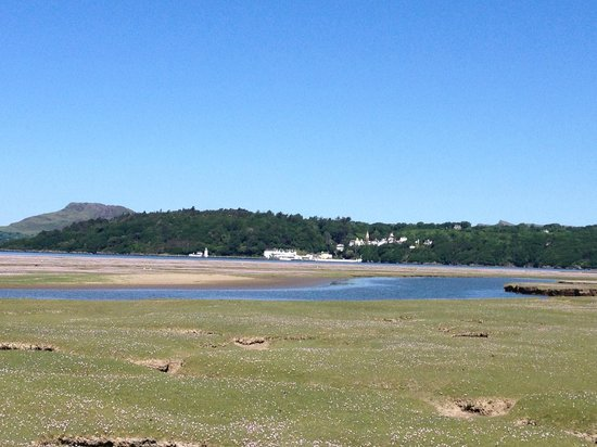 Estuary Cottage Bed and Breakfast: Portmeirion