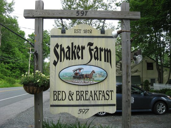 Shaker Farm Bed and Breakfast: Exterior