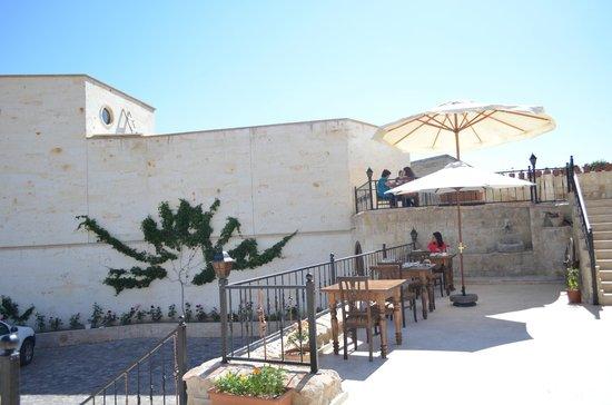 Kemerhan Cave Suites: hotel view