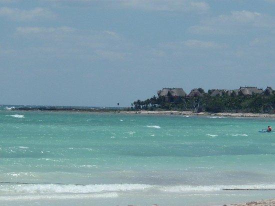 Barcelo Maya Beach: vista dalla spiaggia