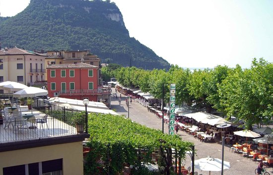 La Vittoria Boutique Hotel: Balcony view 3