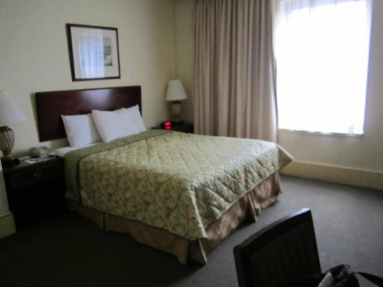 The Boston Common Hotel and Conference Center: Queen-sized bed in the room.