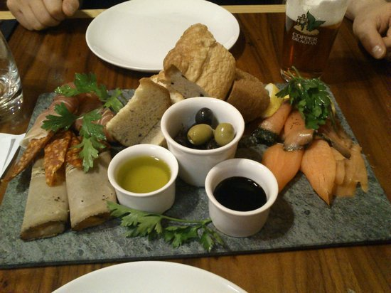 Copper Dragon Bar Bistro: the sharing platter!