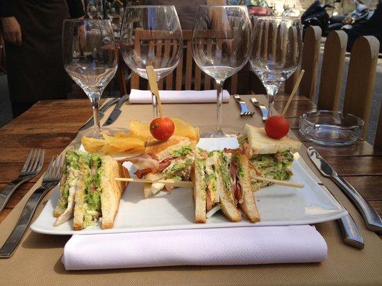 le C geneve rue du simplon: Le fabuleux club sandwich du C