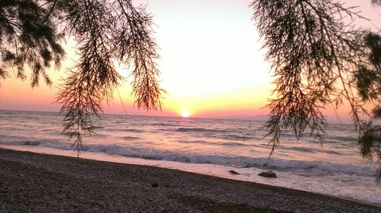 Vallian Village Hotel: Sunset at Paradisi Beach - a five minute walk from the hotel