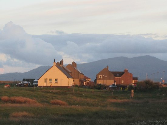 The Isle of Benbecula House Hotel: View at sunset around 10.15pm