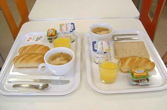 Premiere Classe Sens Nord - Saint Clément : Café da manhã