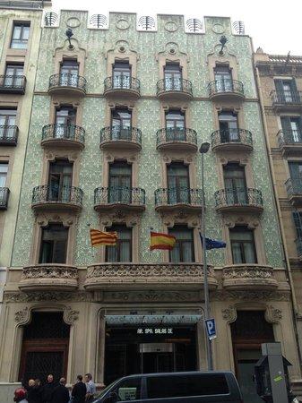 Catalonia Ramblas: L'extérieur