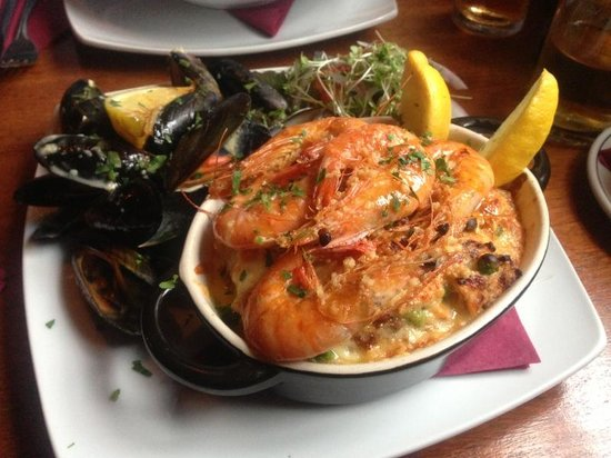 Smugglers Bistro and Accommodation: Pie Main Course