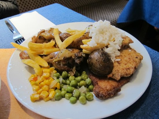 Hotel Gasthaus Rheinlust: Food from dinner buffet