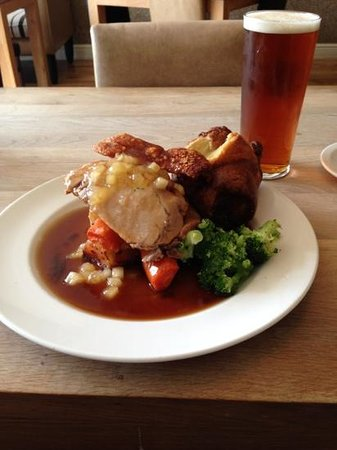 The White Horse: a lovely Sunday pork roast