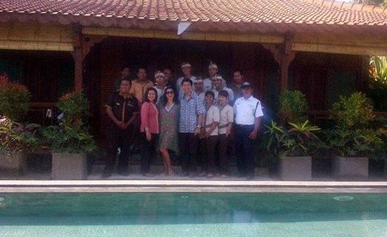 Villa Berawa: Me and My Indonesian Family !!!!
