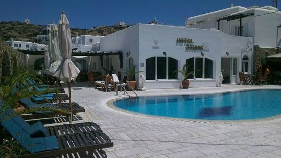 Hotel Zannis: Pool