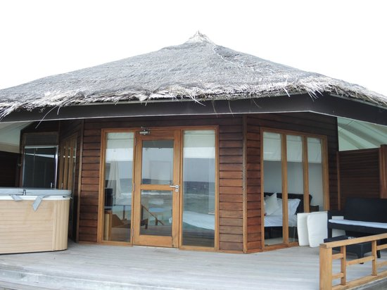 Kuramathi Island Resort: Water villa with Jaccuzi