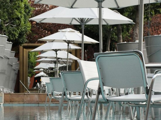 African Pride Melrose Arch Hotel : Pool area.