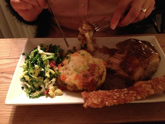 The Chetnole Inn : Belly of Pork - lovely!