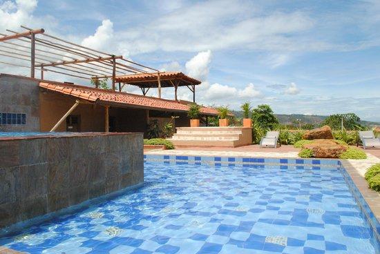 Hotel Boutique Spa Terra Barichara: Deli la piscina!