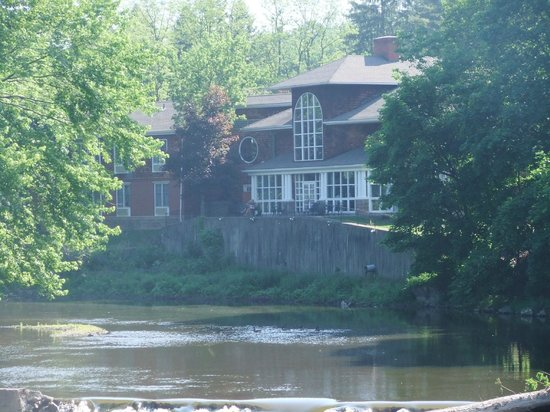 Best Western Plus The Inn & Suites At The Falls: a view of the back of the hotel from the bridge