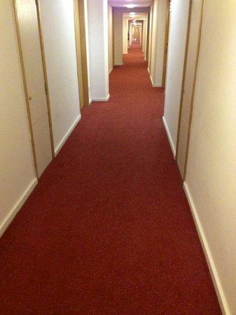 St Giles Heathrow - A St Giles Hotel : Hallway