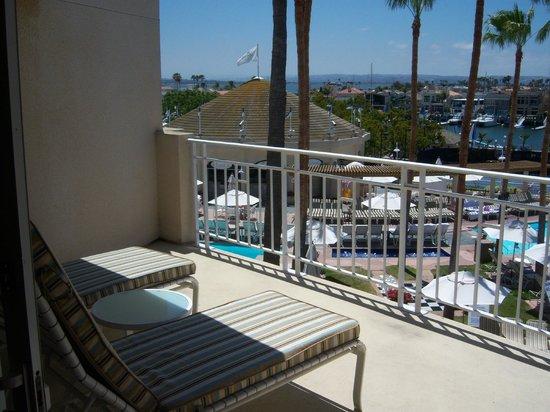Loews Coronado Bay Resort: Pool area from room