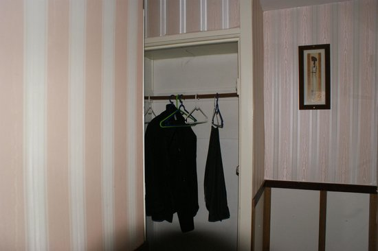 Hotel Monopole: Storage for clothing etc.